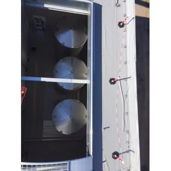 Lagerbehälter auf Wiegezellen