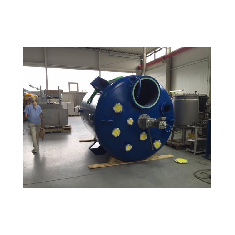 Stahlbehälter mit Rührwerk